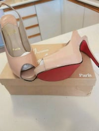Louboutin nude peep toe shoes NEW  Whitby, L1N 8X2