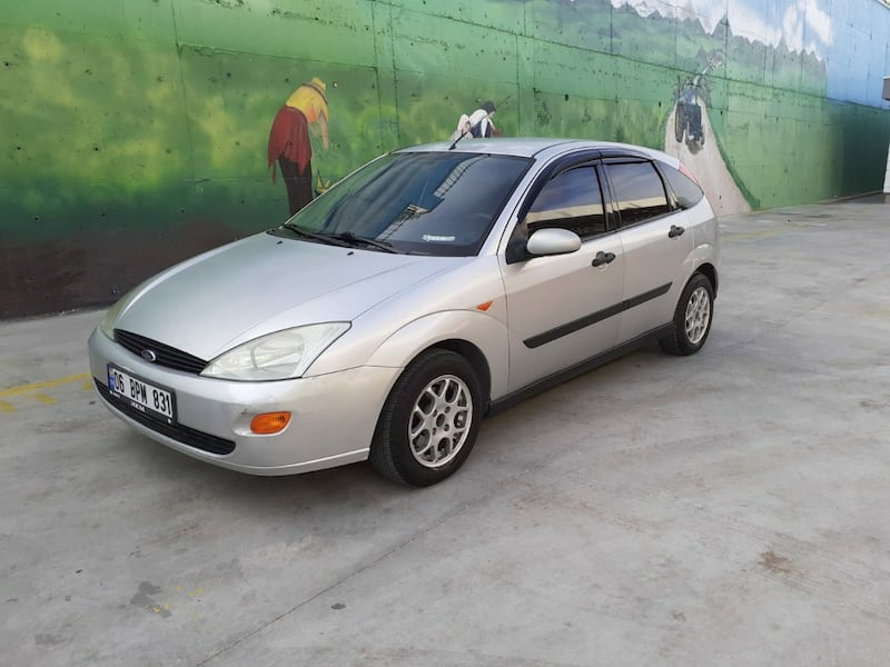 2000 Ford Focus 1.6 AMBIENTE 005d0ece-41f1-4bcd-9d3f-197a859380a8