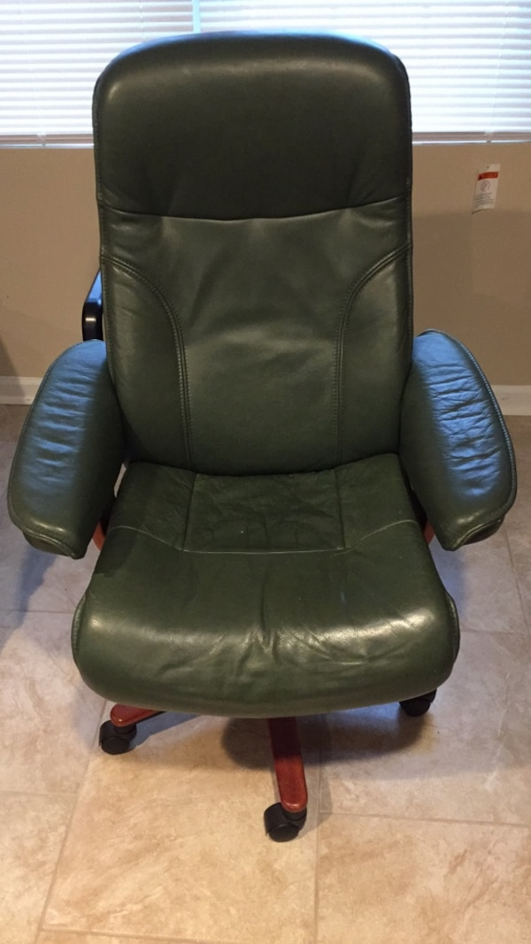 Revolving recliner leather chair
