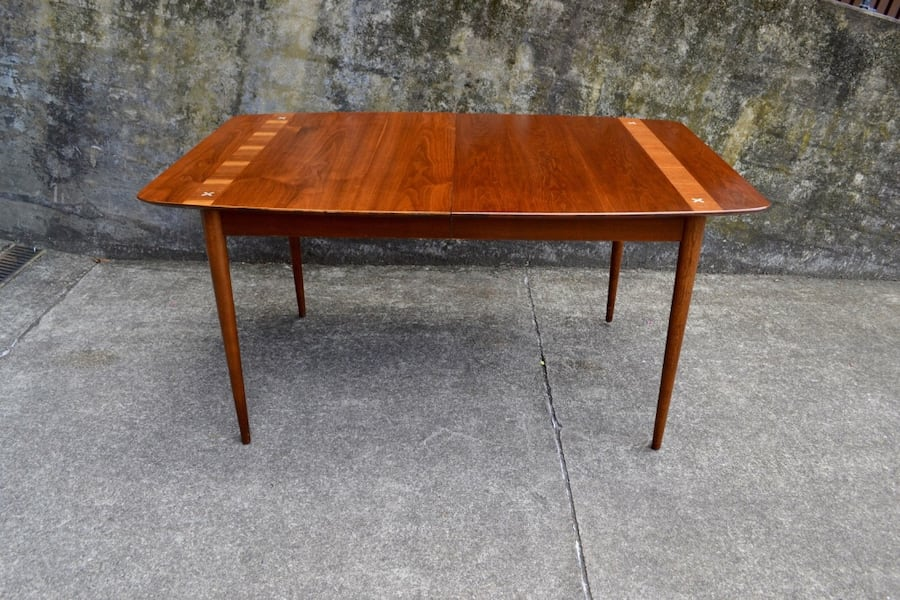 Mid Century American of Martinsville dining table 6 chairs/3 leaves cc9550af-6be9-4bfd-a71f-466adf6a3f12