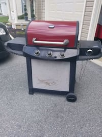 Gas grill 3 burner + 1 side Hagerstown, 21742