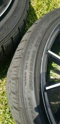 255/35R20 vehicle tire Tampa, 33607
