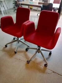 Adjustable desk chairs - gray or red available Toronto, M6R 3B5