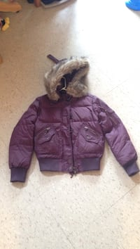 Purple winter coat Hamilton, L8K 1Y6