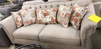 Canadian Made Sofa Brampton, L6W 3J8