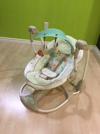 baby's gray and white bouncer Richmond Hill, L4E 3P6