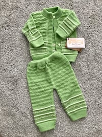 BRAND NEW CROCHET BABY GIRL OR BOY OUTFIT SIZE 0-3 MOS