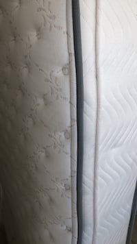 White and gray floral mattress San Diego, 92130