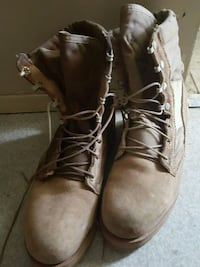 pair of brown leather work boots Winnipeg, R2C 3P8