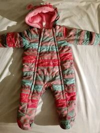Snow suit 6-12 months,  great condition and super warm.  Mississauga, L4W 2X9