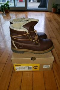 Kids sz. 5 (wmns 7) timberland roll top Montréal, H1Y 2Y7