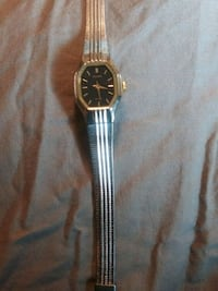 round gold-colored analog watch with link bracelet Seattle, 98104