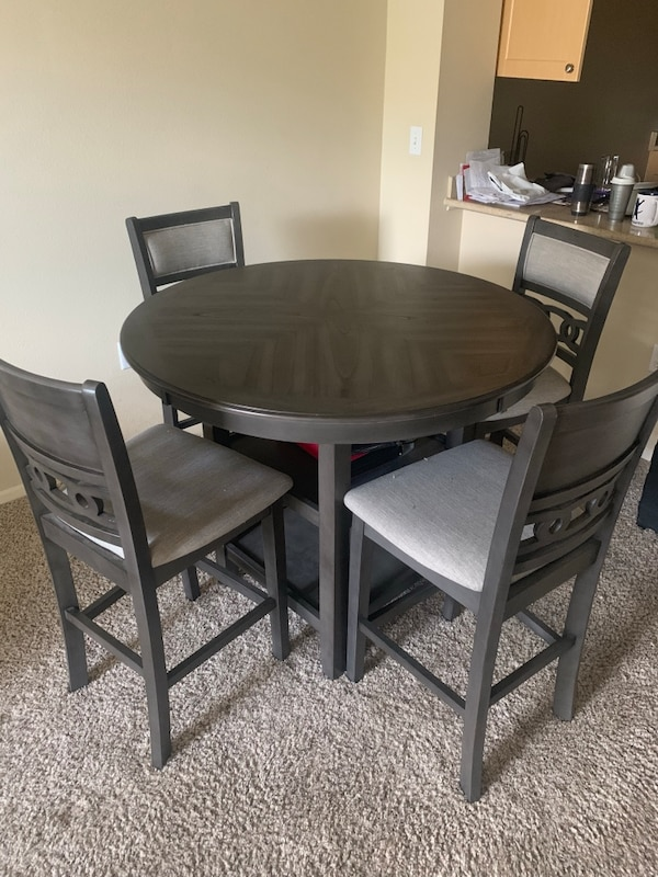 Mor Furniture Gray Table