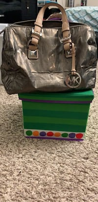 Michael Kors metallic tote Baltimore, 21234