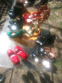 Sz 7m for ladies all sorts of heels 15 a pair  Wichita, 67202