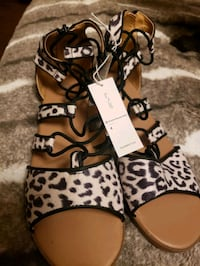 Brand new Old Navy Sandals Size 4 Brampton, L7A