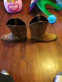 cowboy boots just bought them other day but domt like them. Martinsburg, 25404