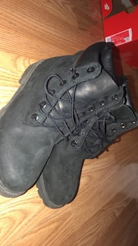 Black timberlands Dearborn, 48126