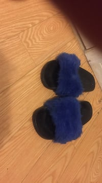 Blue slippers Toronto, M3J 0G2