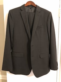 Banana Republic Men's Slim Fit Suit (40R and 32x32) Washington, 20037