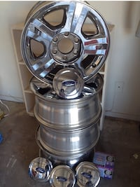 """17"""" factory rims from a 2006 Ford Expedition  Mesa, 85213"""