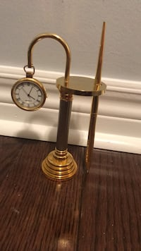 Table Clock with pen Brampton, L6V 0V2