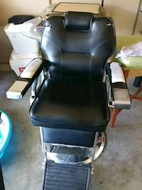 black leather padded rolling chair Las Vegas, 89115