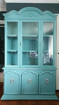 *** DEAL*** Vintage China Cabinet Brampton, L6P