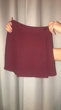 Aritzia- sunday best, skirt size 0