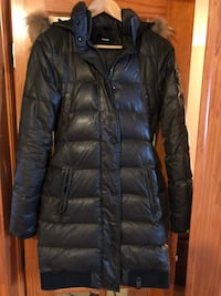 Rudsak coat size small color kaki to sell in good condition Montréal, H9H 1V2