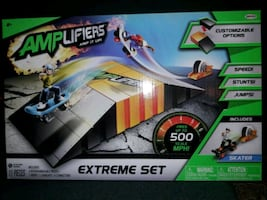 AMPLIFIERS EXTREME SET SKATER GAME