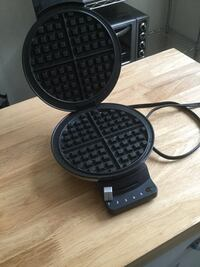 Cuisinart waffle maker Whitby, L1P 1B7