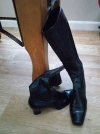 pair of black leather knee high boots Provo, 84601