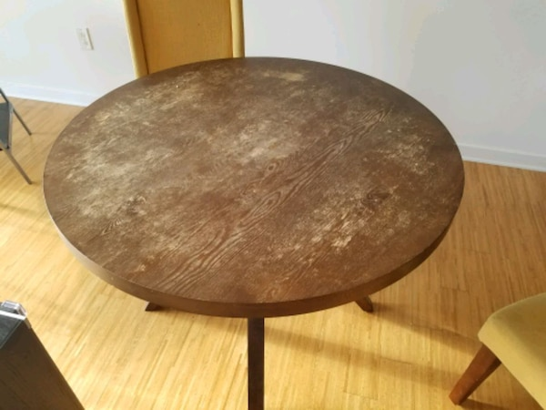 round brown wooden pedestal table 37accfed-30c0-42af-80d4-fea14cb7fa21