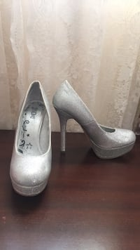 Silver sparkle shoes  Springfield, 22150