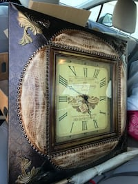 O'clock with painting function Vitoria style  Mississauga, L5B 2C4