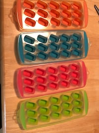 four assorted color plastic cases Ottawa, K2M 2N6