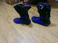 pair of black-and-blue motorcycle boots Oakville, L6H 2Z4