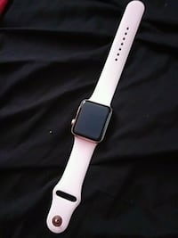 Selling my siste apple watch don't want it no more Burtonsville, 20866