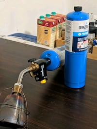 Bernzomatic Torch TS8000 with extra fuel