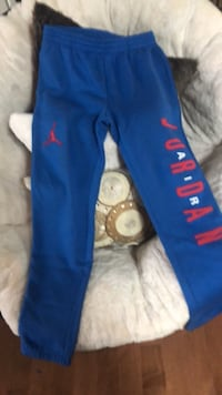 Blue and red adidas sweatpants Lakeshore, N0R