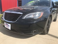 2012 Chrysler 200 4dr Sdn S GUARANTEED CREDIT APPROVAL! Des Moines