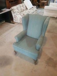 wingback chair  550 km