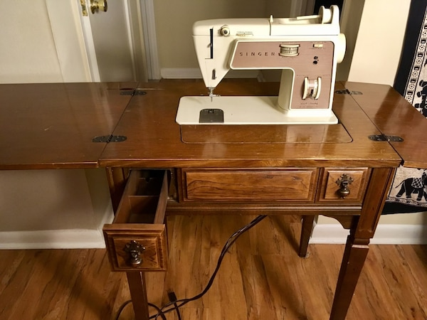new concept 9c25c d61b1 Folding sewing machine table with working singer machine and foot pedal
