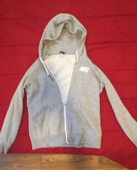Women's Nike zip up size large  Mitchellville, 50169
