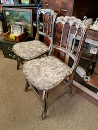 2 Victorian parlour chairs Ault, 80610