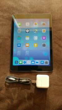 "32 GB 9.7"" 6th Gen I-Pad Touch With Box/Case 3181 km"