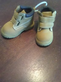 pair baby boots Everett