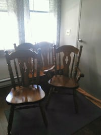 two brown wooden windsor chairs Cumberland, 21502