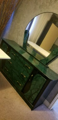 Dresser with mirror as in photo  Vaughan, L4L 3W5